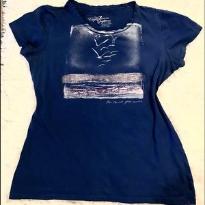 AMERICAN EAGLE 🦅 OUTFITTERS SIZE LARGE TEE